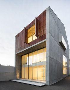 house-in-bonfim-by-azo-sequeira-arquitectos-porto-portugal-_dezeen_936_8
