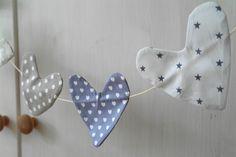 GRAUE HERZEN - Wimpelkette in Herzform von kornblume auf DaWanda.com