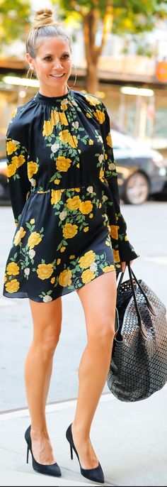 Who made Heidi Klum's yellow floral dress and black pumps?