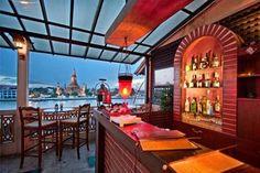 Photo of Amorosa Bar, by Wat Pho