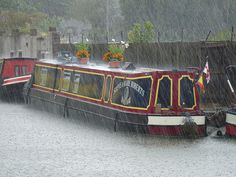 Aylesbury canal basin by Karl Vaughan, via Flickr