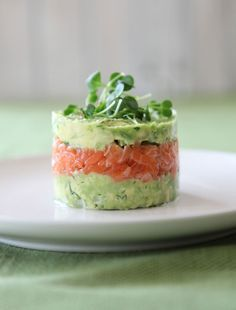 Salmon and Avocado Towers - Quick and Easy Recipes, Organic Food Recipes, New Zealand Cooking Recipes - Annabel Langbein (food presentation easy) Avocado Recipes, Fish Recipes, Appetizer Recipes, Healthy Recipes, Appetizers, Veggie Recipes, Avocado Dishes, Veggie Food, Quick Recipes