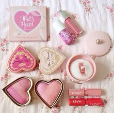 Too faced make up NYX Benefit ♡ pink Makeup Goals, Makeup Inspo, Makeup Inspiration, Makeup Tips, Makeup Products, Beauty Products, Makeup Brands, Just Girly Things, All Things Beauty