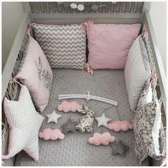 www.lespetitsgossesminiatures.com 1711-thickbox_default tour-de-lit-carre-et-etoile-liberty-mitsi-gris-et-rose-pale-theme-lapin.jpg