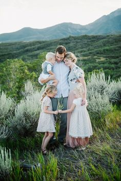 Sweet colors for ladies, neutrals for men. #family #portrait #inspiration