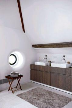 ländliche badezimmer design ideen rustikal weiß wände fenster