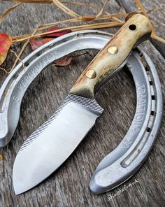 Cool Knives, Knives And Tools, Knives And Swords, Knife Holster, Knife Template, Diy Knife, Forged Knife, Knife Sheath, Handmade Knives