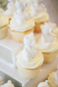 #cupcake, #cake-toppers, #baby-shower, #bear  Photography: MIMMO