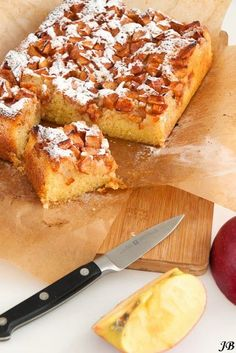 Farmer's Apple Cake, delicious and easy to make (in Dutch with translator) Dutch Recipes, Apple Recipes, Sweet Recipes, Cake Recipes, Dessert Recipes, Top Recipes, Cookie Desserts, No Bake Desserts, Delicious Desserts