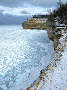 Cliffs leading to Indian head. Winter Backpacking at Pictured Rocks, Michigan: Photos & Trip Report