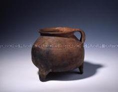 Dreibeintopf, Grapen, Ton, um 1301/1400, Deutschland