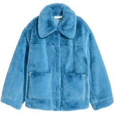 Jakke i fuskepels 799,- ($99) ❤ liked on Polyvore featuring outerwear, jackets, blue, h&m, blue jackets and jakke