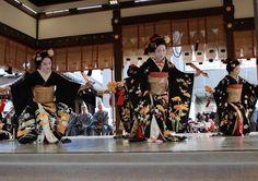 Miyagawacho maiko during Setsubun