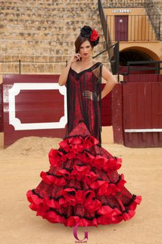 Spanish style – Mediterranean Home Decor Spanish Dress Flamenco, Flamenco Wedding, Red Frock, Flamenco Costume, Mexican Dresses, Dress Sewing Patterns, Quinceanera Dresses, Dream Dress, Beautiful Dresses