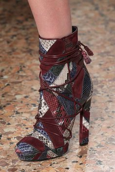 Emilio Pucci Fall 2015 Ready-to-Wear - Details - Gallery - https://Style.com