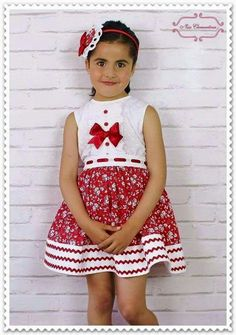 Vestido Baby Clothes Patterns, Girl Dress Patterns, Girls Party Dress, Baby Girl Dresses, Little Girl Outfits, Kids Outfits, Toddler Fashion, Kids Fashion, Baby Dress Design