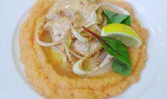 TIP NA #OBED Karbonátky z atlantického lososa s karamelovou zálievkou, mrkvovým pyré, zdobené limetkou #DenneMenuVranov #DenneMenu #ObedoveMenu #Restauracia