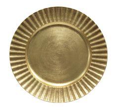 gold charger plate @ http://erikadarden.com