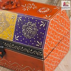 Rusticity Decorative Box Painted Painted Wooden Boxes, Hand Painted, Cool Paintings, Treasure Chest, Jewelry Organization, Decorative Boxes, Handmade, Home Decor, Hand Made