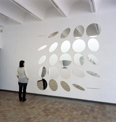 Official website of Olafur Eliasson and his studio: Tilted circles diagram Mirror Artwork, Studio Olafur Eliasson, Circle Diagram, Instalation Art, Drawn Art, New Media Art, Exhibition Space, Light Art, Public Art