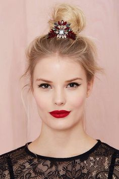 bun cuff spectaculaire look glamour #hairstyles