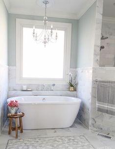 Shelf behind tub