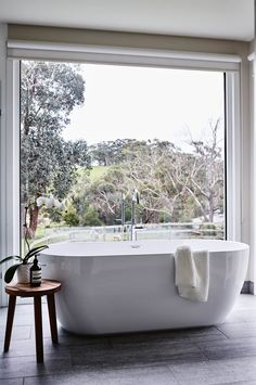A freestanding bathtub at a newly built farmhouse at Red Hill on Victoria's Mornington Peninsula enjoys sweeping bushland views Country Style Homes, French Country Style, French Country Decorating, Cottage Style, Country Style Magazine, Ideas Dormitorios, Bathroom Red, Red Bathrooms, Bathroom Vanities