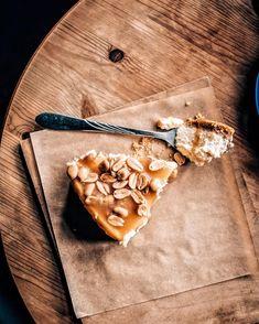 this cheesecake tho . . . #cheesecake #sernik #cheesecakes #cake #cakes #ciasto #dessert #desserts #deser #sweet #sweets #słodycze…