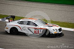 Team Parker Racing faces the first race of the 2016 Blancpain GT Series Endurance Cup.