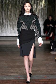 Altuzarra Fall 2012 Ready-to-Wear Fashion Show - Xiao Wen Ju