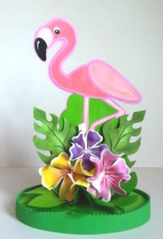 Handicraft Making - Ideas for indoor craft hobbies to do alone at home Flamingo Party, New Years Decorations, Handmade Decorations, Indoor Crafts, Giant Paper Flowers, Tropical Party, Gifts For Coworkers, Last Minute Gifts, Boyfriend Gifts