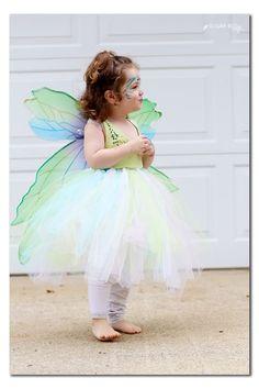 No sew fairy costume via (Diy Costume Fairy) Toddler Fairy Costume, Fairy Tail Costumes, Fairy Costume Diy, Bug Costume, Toddler Costumes, Tutu Costumes, Cool Costumes, Halloween Costumes, Princess Tutu Dresses