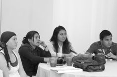 Cada equipo hizo su presentación rápida incluyendo su propuesta de valor y retos que enfrentan. Después de escuchar, Kythzia compartió sus opiniones y sugerencias todas duras, francas pero muy constructivas! #EmprendeLab #SesionVI
