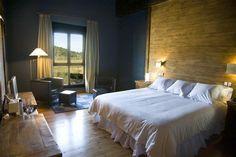 @aguasdelnarcea #Asturias #Hotel Rural situado en un lugar privilegiado a 10 km de la costa, a 15 minutos del aeropuerto, a 20 y 25´ de Aviles y #Oviedo y a 30´de #Gijón.