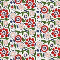 De schitterende Katinala stof is ontworpen door Jenni Tuominen voor het beroemde Finse merk Marimekko. De stof heeft een prachtig patroon met een bloemenweide in het rood, roze en groen. Katinala is gemaakt van katoen en linnen en is perfect voor het maken van gordijnen, kussens of bedlinnen. Combineer de stof met de andere stijlvolle producten van Marimekko.