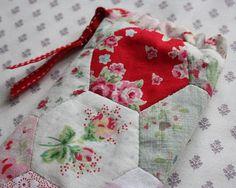 beautiful hexie phone pouch at Sandra's Cherry Heart