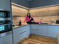 Kitchen Cabinets, Home Decor, Minimalism, Decoration Home, Room Decor, Cabinets, Home Interior Design, Dressers, Home Decoration