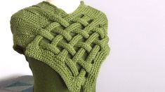 My Braided Celtic Knot Scarf Knitting Pattern is a fun one for experienced beginners. Enjoy easy knit and purl combinations in this interwoven design. Get full written pattern and video tutorial by Studio Knit. #StudioKnit #knitscarf #knittingpattern #freeknittingpattern
