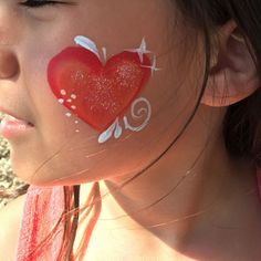 Face Painting Safety Neon Face Paint, Diy Face Paint, Face Painting Tips, Professional Face Paint, Paint Brands, Natural Preservatives, Glitter Gel, Face Design, Natural Face