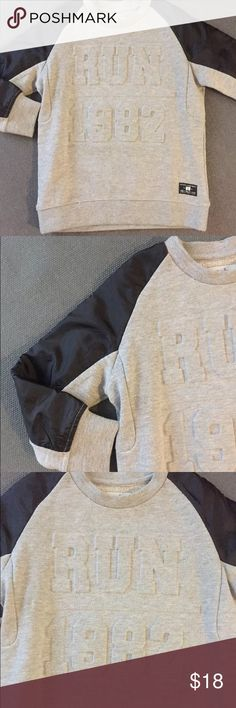 """Zara Toddler Boy sweater Zara boys collection sweater Size 5, 100 cm Length 17 1/2"""" Chest 14"""" Sleeves 16"""" New without tags Zara Shirts & Tops Sweaters"""