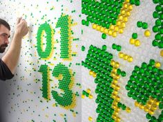 Lettering made of inserting liquid into the plastic bubble wrapping paper. By Lo Siento.