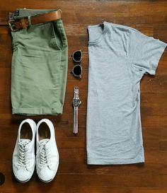 Shorts are modern piece of menswear that should be included in every man's wardrobe. Here is your men's short style inspiration guide - weekend style ideas. Mode Outfits, Casual Outfits, Men Casual, Fashion Outfits, Style Masculin, Look Man, Herren Outfit, Outfit Grid, Mode Style