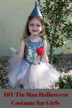 This DIY Wizard of Oz Tin Man Costume for Girls is a simple and adorable Halloween or Storybook Character costume for girls. Diy Tin Man Costume, Tin Man Halloween Costume, Tin Man Costumes, Fun Halloween Games, Fairy Tale Costumes, Halloween Costumes For Girls, Diy Costumes, Halloween Kids, Costume Ideas