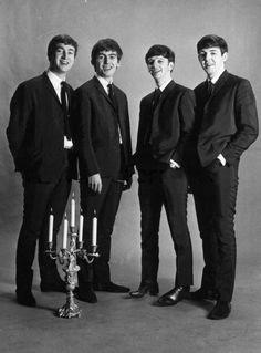 John Lennon, George Harrison, Richard Starkey, and Paul McCartney,November 1962 Photographer: Astrid Kirchherr. Foto Beatles, Beatles Band, Beatles Love, Les Beatles, Beatles Photos, Beatles Poster, Beatles Bible, Beatles Party, John Lennon