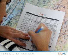 Antes de volar los alumnos realizan su respectiva planificación de vuelo.   Quieres ser #piloto?   información: info@skyecuador.com PBX 04 600 8250 o ( 0969063172 solo WhatsApp ) www.skyecuador.com  Matrículas Abiertas!  Julio : #Guayaquil Agosto : #Quito