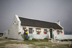 Typical fishermans cottage in the Kassiesbaai Village near Arniston. Old Cottage, Cottage Art, Cabins And Cottages, Beach Cottages, West Coast Fishing, Fishermans Cottage, Cape Dutch, Dutch House, Fish House
