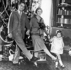 Scott Fitzgerald with Zelda and daughter