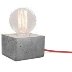 Novidade !!!.....luminária de mesa de concreto com lâmpada de filamento...#iluminacao #design #lightdesign #decoracao #lampadadefilamento