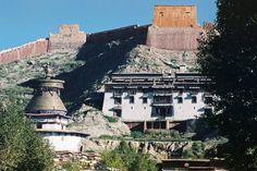 Shigatse Tibet 2001  #Tibet #film #craigfergusonimages