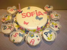 Bolo e cupcakes borboletas